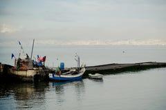 Bateau et pêcheur de Barreiro Photos libres de droits