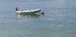 Bateau gonflable sur la mer Photo libre de droits