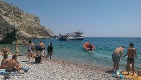 Bateau grec de vacances du soleil d'île de plage Photos libres de droits