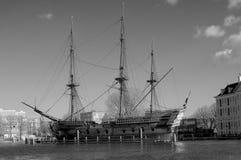Bateau historique à Amsterdam noir et blanc image stock