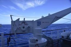 Bateau industriel dans l'océan Images libres de droits