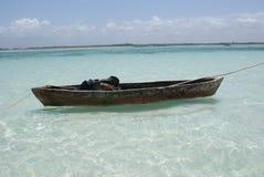 bateau isolé Image libre de droits