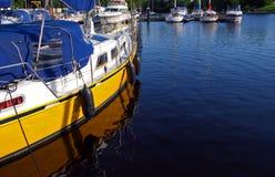 Bateau jaune Image stock