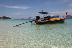 Bateau Long-tailed thaï Images stock