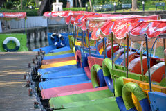Bateau multicolore de pédale Image stock