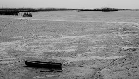 Bateau noir et blanc Photos libres de droits