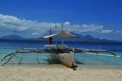 Bateau Philippines du ` s de pêcheurs images stock