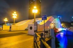 BATEAU QUAY, SINGAPOUR LE 12 OCTOBRE 2015 : Bateau Quay et Elgin Bridge Images libres de droits