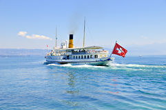 Bateau suisse d'excursion Image stock