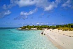 Bateau sur l'île des Caraïbes Photographie stock