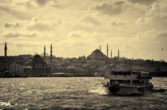 bateau sur l'avant d'Istanbul photo libre de droits