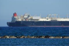bateau sur la côte sud de la Chypre Image stock