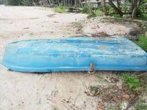 Bateau sur la plage Image stock