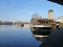 Bateau sur la rivière Image libre de droits