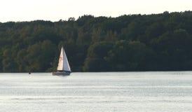 Bateau sur la rivière Havel en Allemagne Photos libres de droits