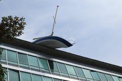 Bateau sur le dessus de toit photo libre de droits