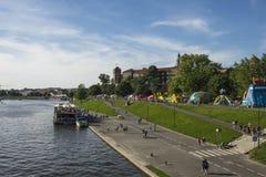 Bateau sur le fleuve Vistule photos stock