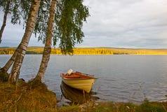Bateau sur le lac Photos libres de droits