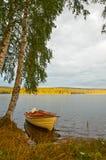 Bateau sur le lac Image libre de droits