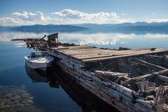 Bateau sur le lac Photo stock
