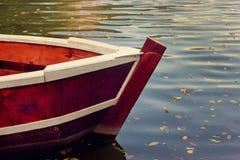 Bateau sur le lac Images libres de droits