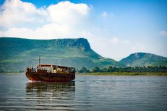 Bateau sur le lac Galilée photos stock