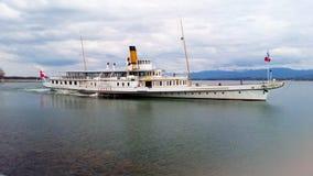 Bateau sur le lac Suisse geneva images libres de droits
