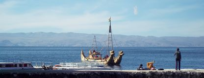 Bateau sur le Lac Titicaca photographie stock