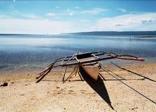 Bateau sur le rivage Image libre de droits