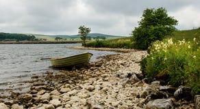 Bateau sur le rivage Image stock