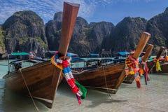 Bateau thaï sur la plage Photos libres de droits