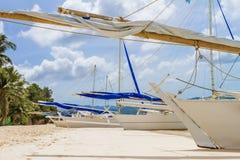 Bateau à voile en bois, île de boracay, été tropical Images stock