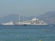 Bateaux à Cannes Photo stock