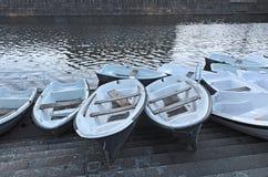 Bateaux à rames et canal de ville Photo libre de droits