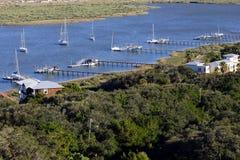 Bateaux à voile dans la baie Photo libre de droits