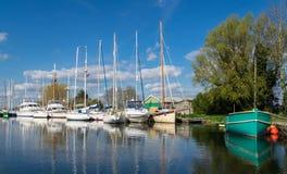 Bateaux à voile et yachts Photographie stock libre de droits
