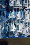 Bateaux à voile fabriqués à la main en vue Photographie stock