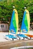 Bateaux à voiles de chat du St Lucia - du Hobie Photo stock