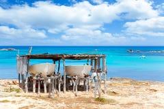 Bateaux échoués en plage de Formentera Els Pujols Photos libres de droits