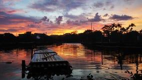 bateaux égalisant le lac Népal en bois Images libres de droits