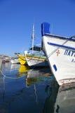 Bateaux amarrés dans le port de Pothia Photos libres de droits