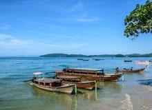 Bateaux au rivage de Railay Photos stock