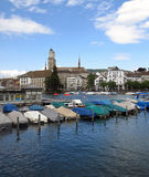 Bateaux couverts en Suisse Photographie stock