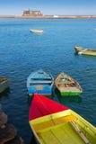 Bateaux d'Arrecife Lanzarote dans le port chez les Canaries Photos stock