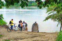 Bateaux d'embarquement dans Mompox, Colombie Photographie stock