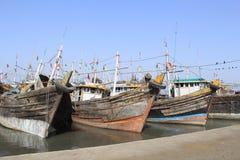 Bateaux d'expédition dans le port Images libres de droits