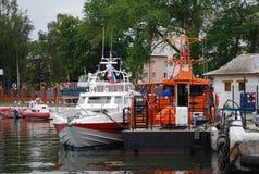 Bateaux dans Baltiysk, Russie Photographie stock libre de droits