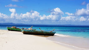 Bateaux dans Cayo Levantado La république dominicaine Photo libre de droits