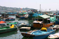 Bateaux dans Cheung Chau. Hong Kong. Images stock
