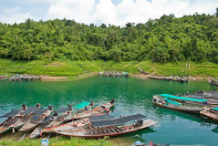 Bateaux dans le barrage Image libre de droits